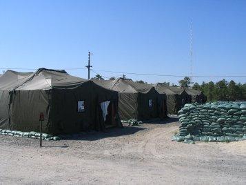 img_0033-tents_small.jpg